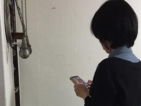 韓国・ソウルから情報提供してくれたアンさん。日本と同じように韓国でも歩きスマホが問題視されていて、スマホでドラマや映画の視聴をしながら歩く人も多いとか…