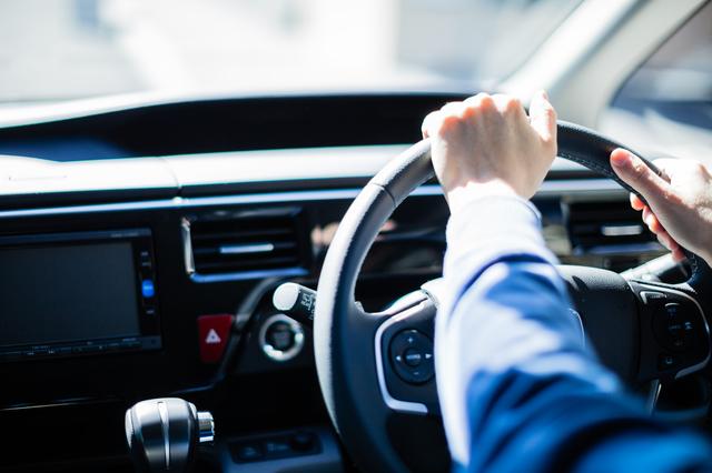 つい披露したくなる運転テク、でも彼女は…?