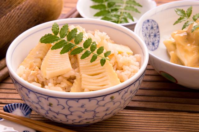 タケノコご飯はまさに春ならでは 写真:プロモリンク/PIXTA(ピクスタ)