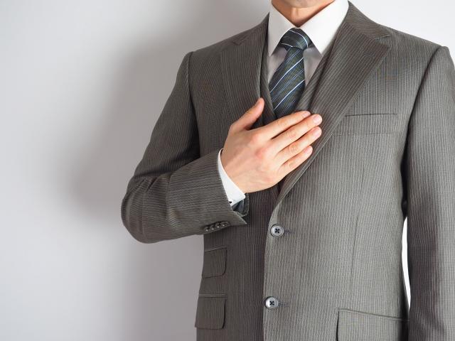 団塊の世代の退職もスーツ需要減退の要因だという ※画像はイメージです